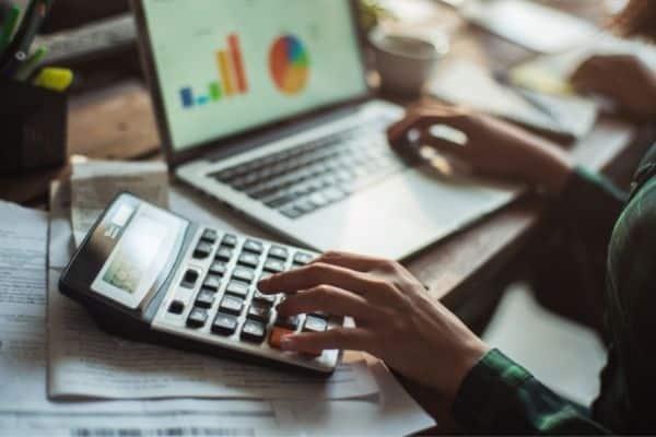 un assistant virtuel pour réduire les coûts opérationnels