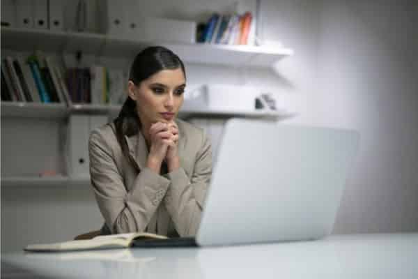 un assistant virtuel pour vous concentrer sur les tâches importantes