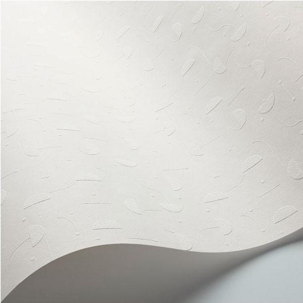 Detalle del papel pintado Primitive Micro en fondo blanco diseñado por Jaime Hayon para England&Co