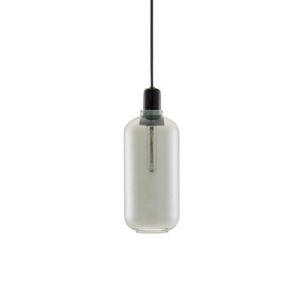 Lampara AMP large de Normann Copenhagen con casquillo en mármol negro y tulipa de cristal gris ahumado