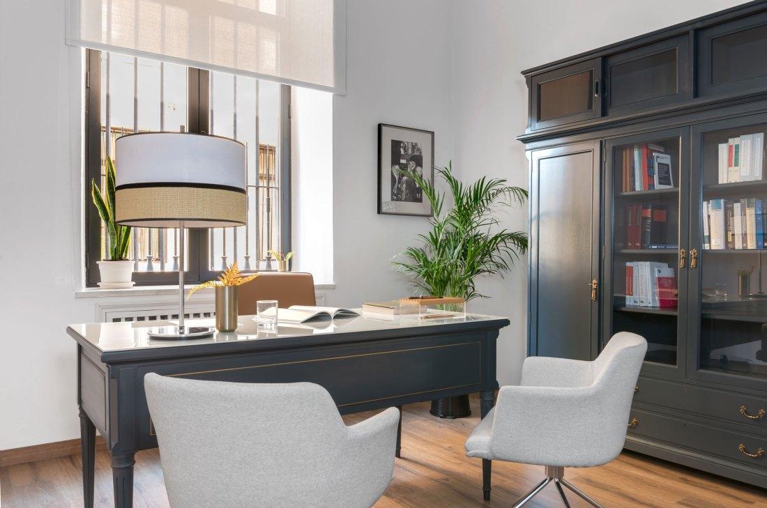 despacho de dirección diseñado por Deleite Design