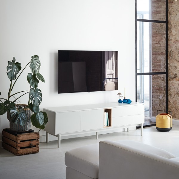 mueble de tv en blanco y roble