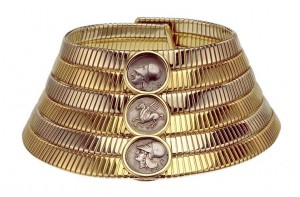 Tubogas-choker-1974-Two-color-gold-with-Greek-silver-coins.-Courtesy-of-de-Young-Museum
