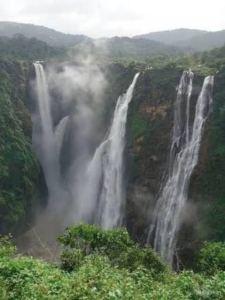 The kune falls, Delhiblogger