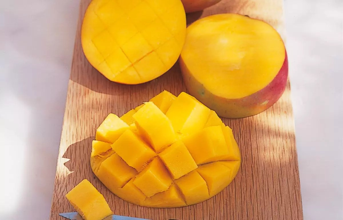How To Prepare And Serve A Mango How To Cook Delia Online