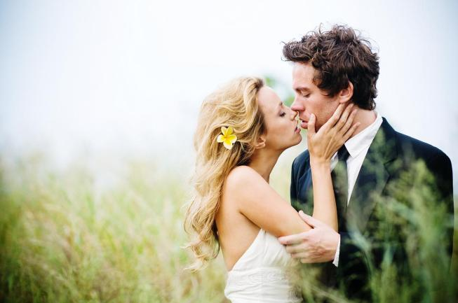 images-of-romantic-couples-kissing