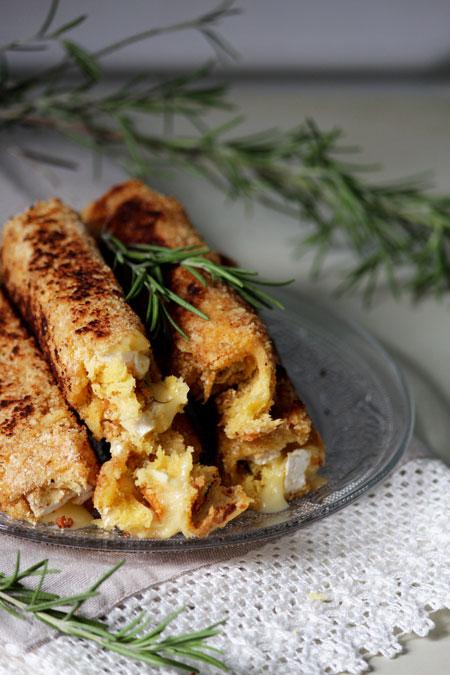 roulés-pannés-camembert-romarin