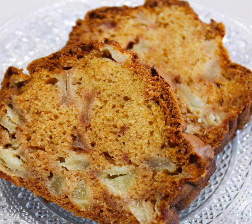 Délicimô ! - Recette du Cake moelleux aux pommes facile caramélisé - www.delicimo.fr