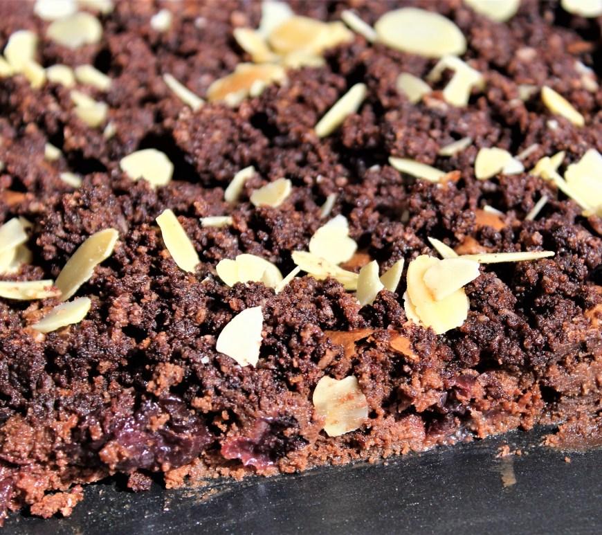 Délicimô ! - Recette Crumble Brownie Chocolat Cerises Griottes - www.delicimo.fr