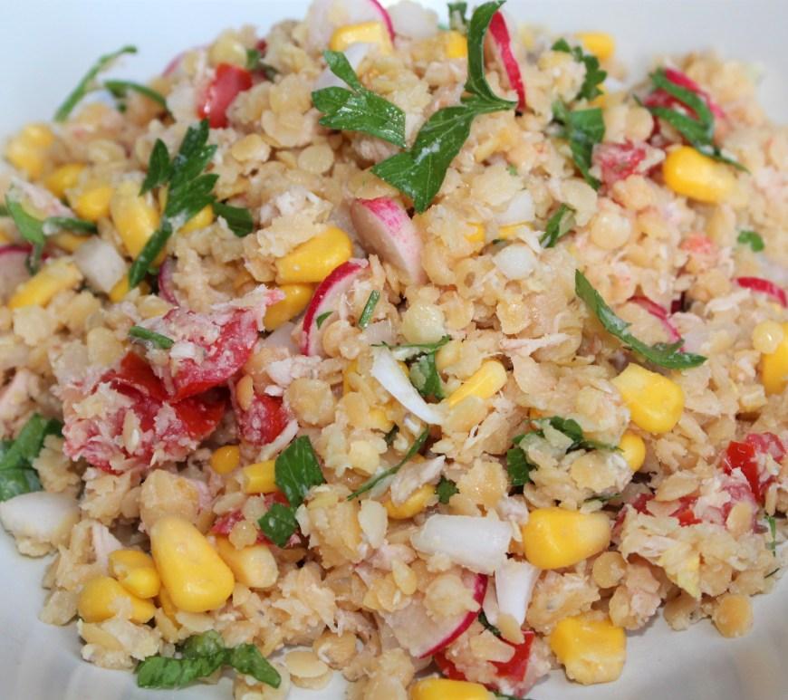 Délicimô ! - Recette Salade Composée de Lentilles Corail : Tomate, Oignon, Radis, Maïs, Thon, Persil - www.delicimo.fr