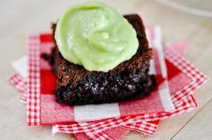 Brownies cu crema de avocado