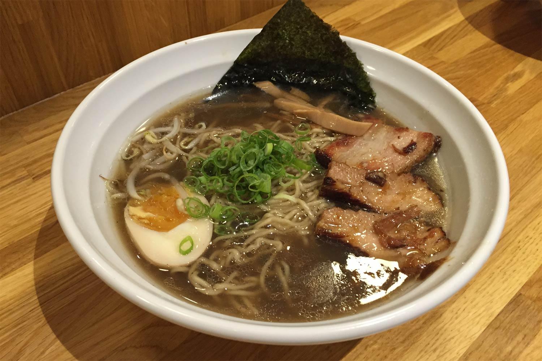 Ramen tradicional Shoyu Como prepararlo  Receta Japonesa