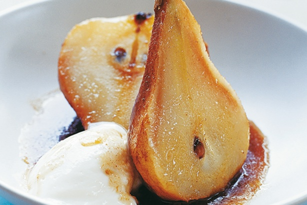Pears with cinnamon, mint, and honey.