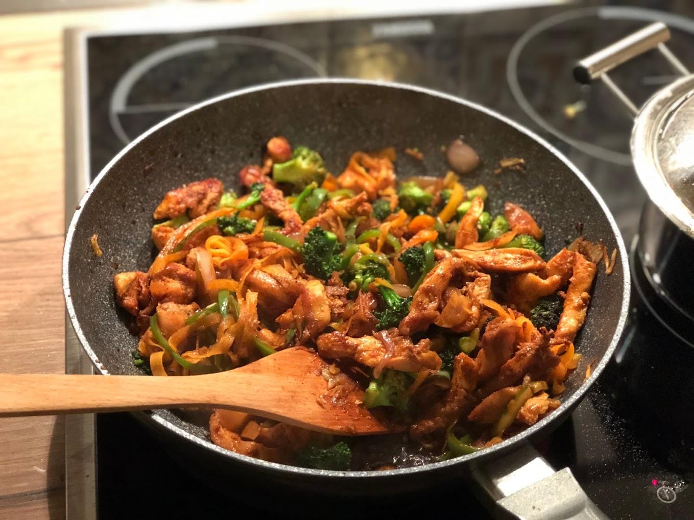 Tendeca Aziatike me fileto pule dhe perime