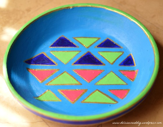 geometric triangle tray