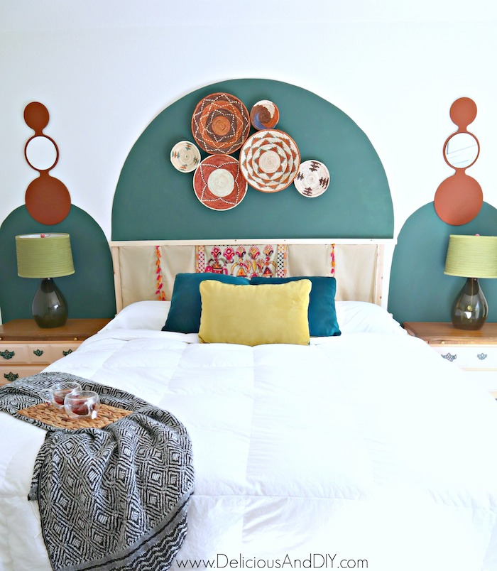 painted arch accent wall for bedroom makeover