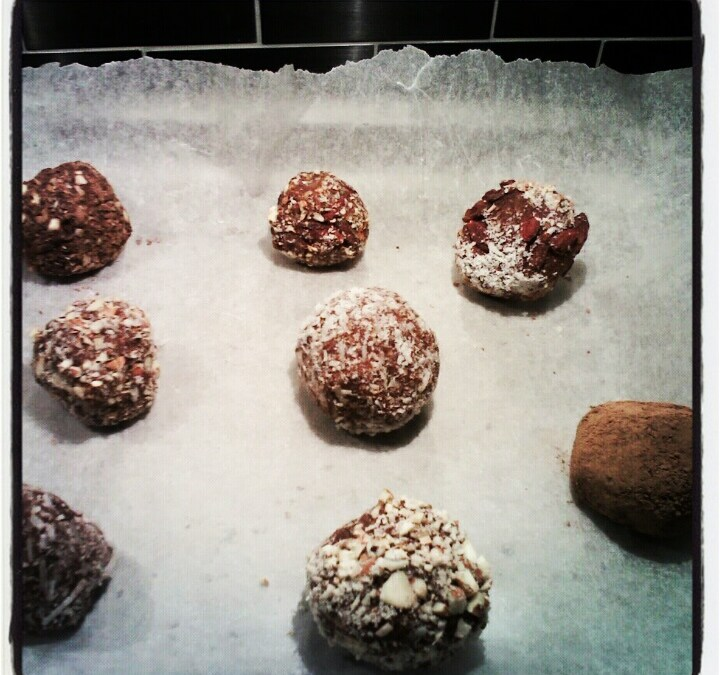 Simply Divine Raw Chocolate Truffles