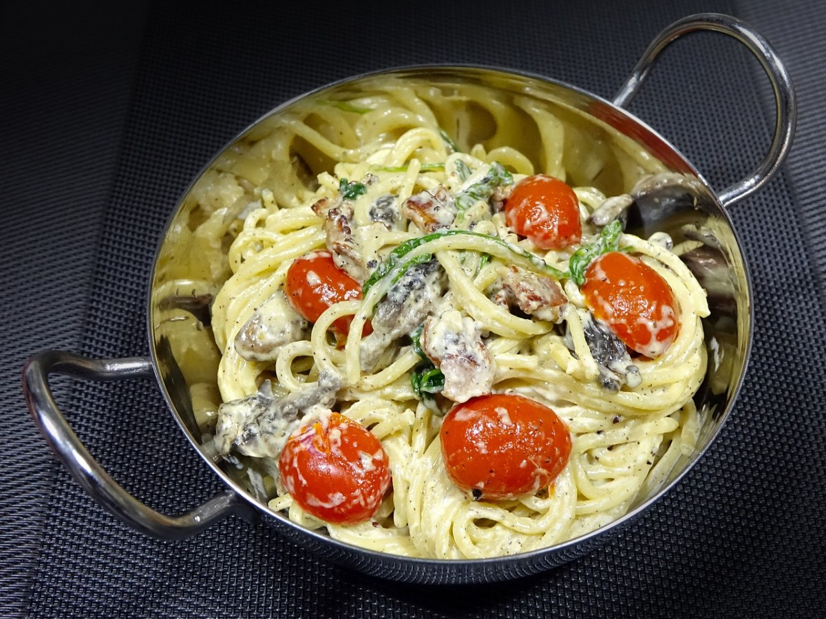 Easy Sundried Tomato Alfredo Pasta