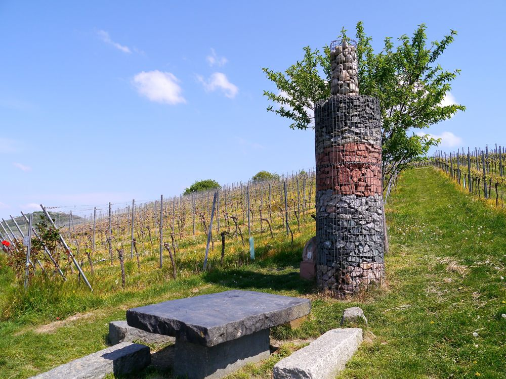 Schöne Rastplätze locken am Wein & Stein Erlebnispfad