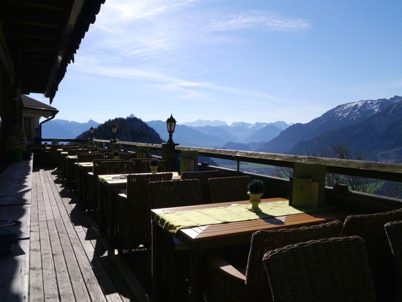 Terrasse vom Burghotel Falkenstein