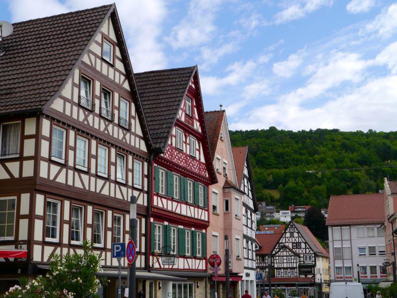 Fast wie auf der Modelleisenbahn: Fachwerkhäuser in der Hauptstraße
