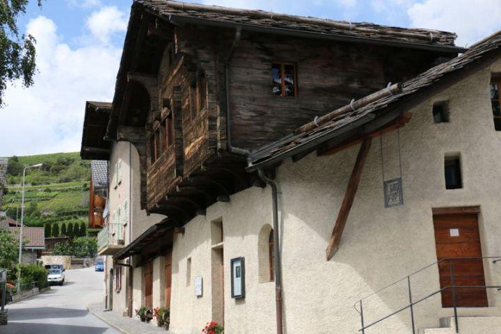 Zumofenhaus in Salgesch mit dem Rebmuseum.
