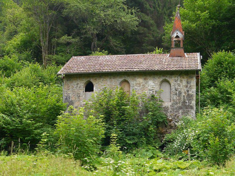 Stummer Zeuge: Ruine der Kapelle des ehemaligen Heilbades Bad Boll.