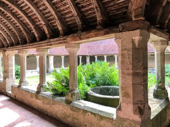 Klosterinnenhof in Mortagne-au-Perche