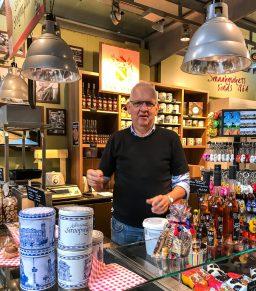 Waffelverkäufer in der Markthalle Rotterdam