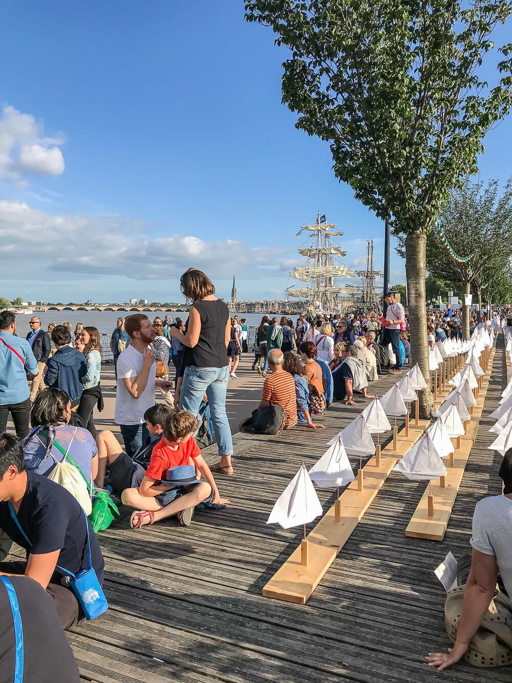 Entspanntes Treiben auf dem Weinfest in Bordeaux