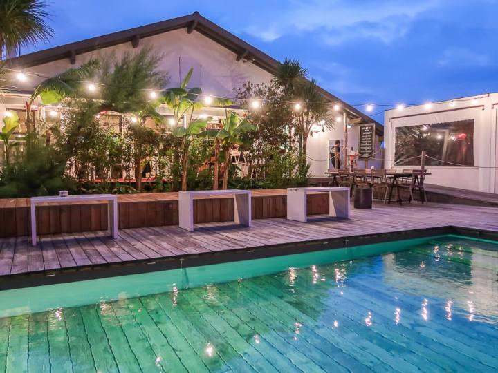 Beach House mit Pool