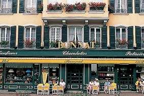 Chocolat-Stephane-Bonnat-Voirons-boutique-terasse