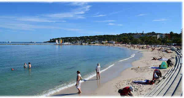 Antibes-Juans-les-pins-musee-picasso-plage