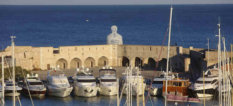 Antibes-Juans-les-pins-musee-picasso-port