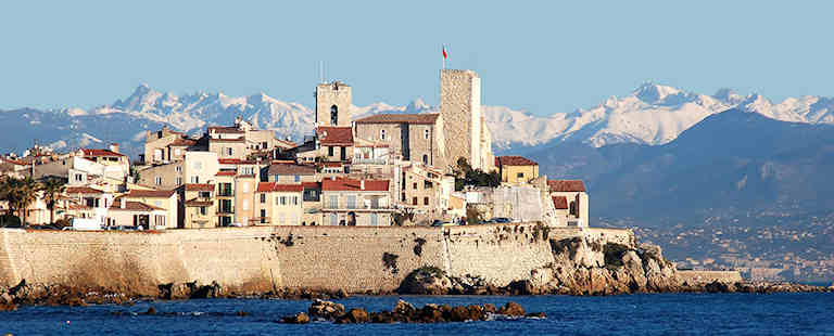 Antibes-Juans-les-pins-musee-picasso-remparts