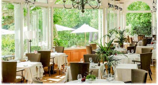 chateau-de-brindos-restaurant-salle-restaurant