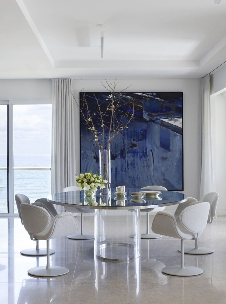 A Palm Beach Contemporary Apartment Full Of Art And