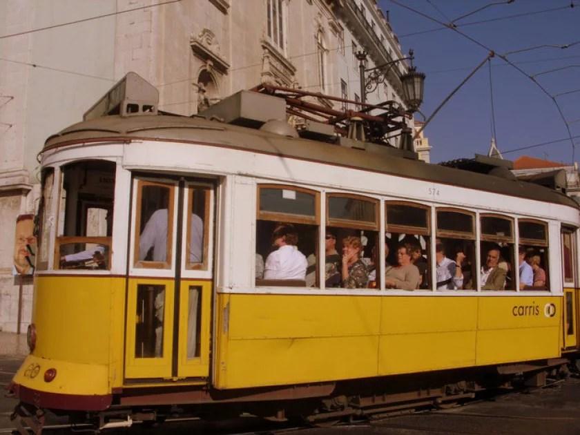 tram-in-lissabon