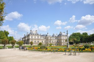 Luxembourg Bahçesi ve Sarayı