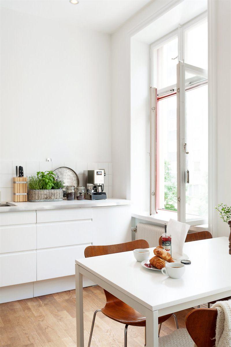 Blanco y madera dos b sicos del estilo n rdico moderno for Decoracion natural interiores