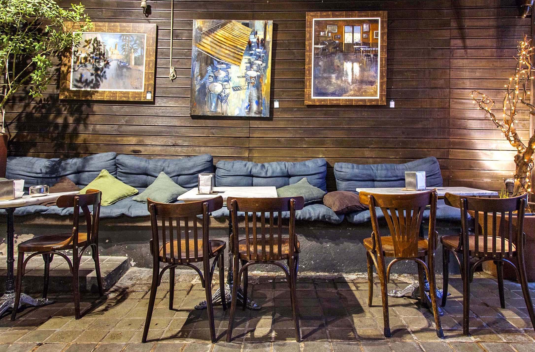 Marita ron heritage cafe a coru a blog tienda for Mobiliario rustico para bares