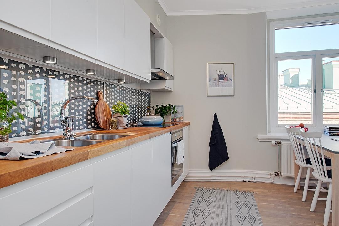 Revestimiento de tela y cristal en una cocina detalles Panel de revestimiento para banos y cocinas