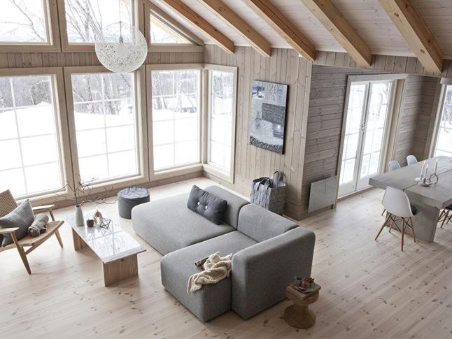 Invierno en una casa de madera en noruega blog tienda decoraci n estilo n rdico delikatissen - Decoracion casas de madera ...