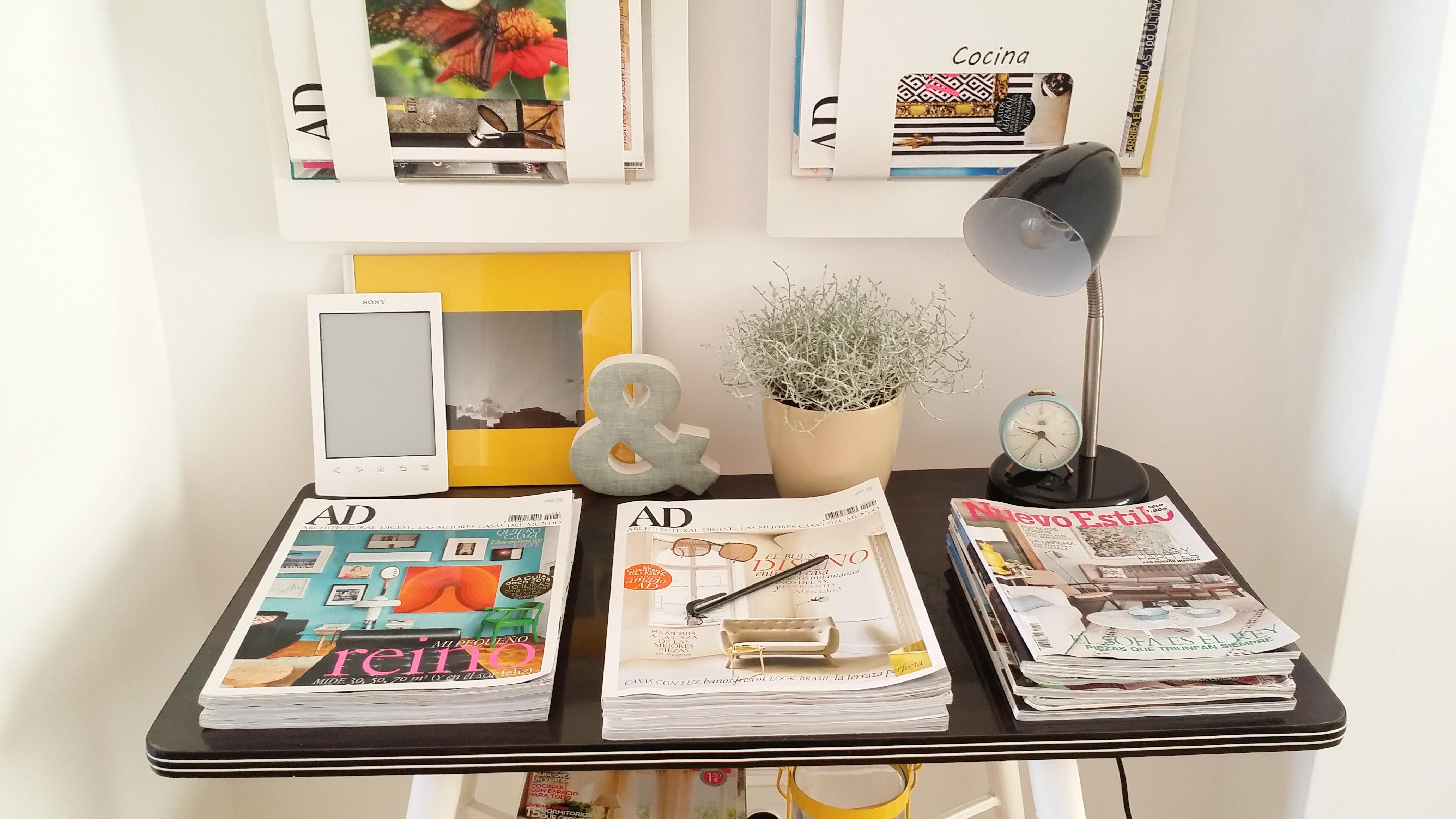 Diy mueble de tele de casi 50 a os convertido en bonito for Mueble camarera cocina