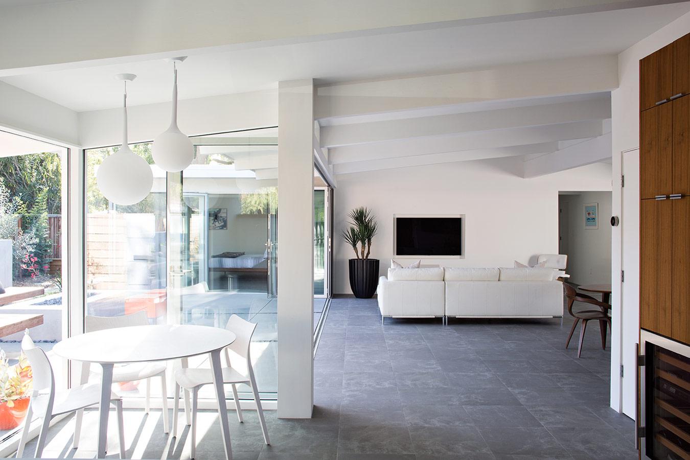 Reforma de una casa mid century en palo alto california for Disenos de casas americanas