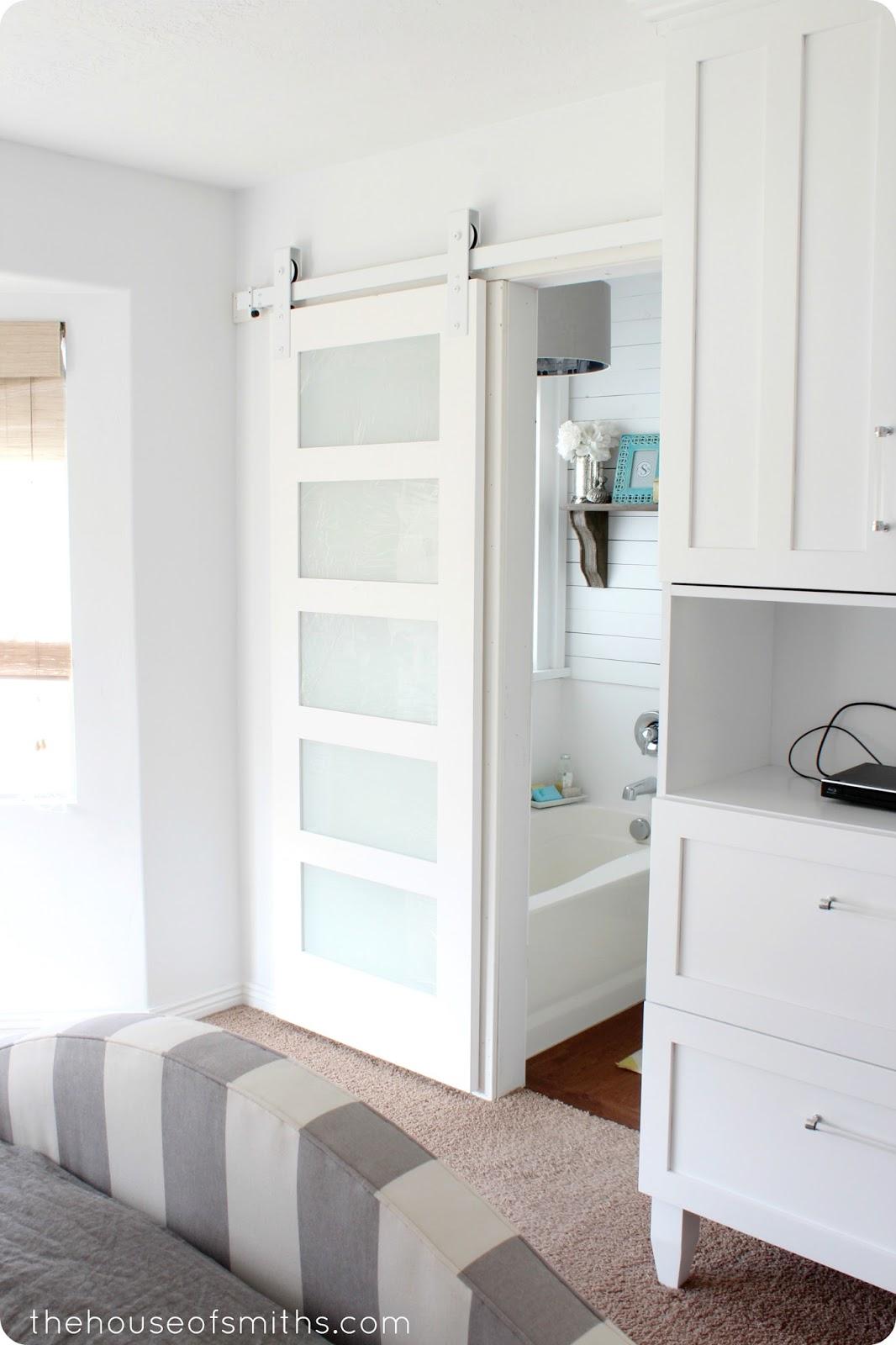 Puertas correderas tipo granero blog tienda decoraci n estilo n rdico delikatissen for Privacy solution between bedroom and bath
