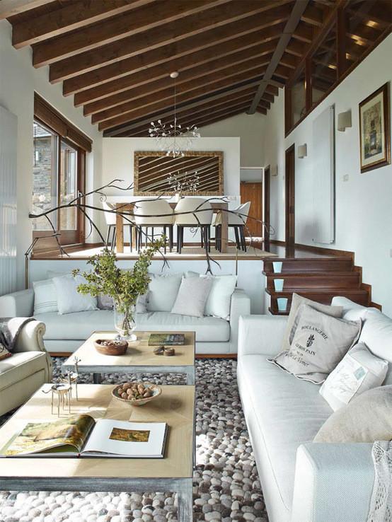 Estilo r stico renovado para una casa en la cerdanya for Decoracion cielorrasos