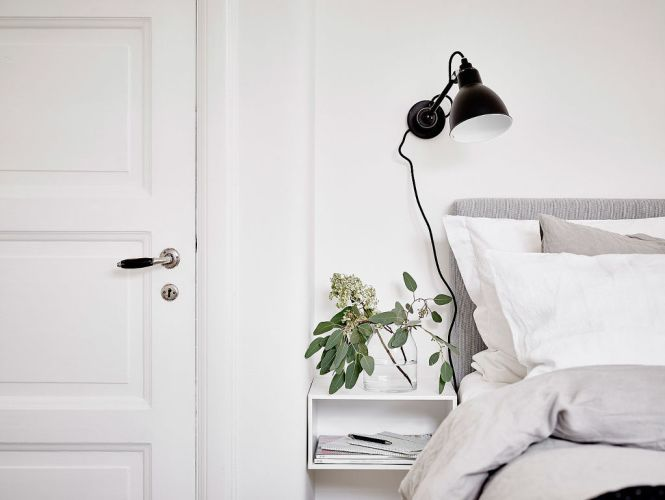 suelo de roble espigado puertas correderas dobles piso nórdico madera lacada de blanco estilo nórdico blog decoración interiores nórdicos decoración habitación infantil decoración en blanco cocina blanca nórdica