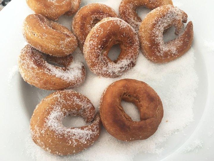 rosquillas fáciles rosquillas con cardamomo rosquillas caseras roscos fritos recetas españolas recetas delikatissen postres rápidos postres fáciles