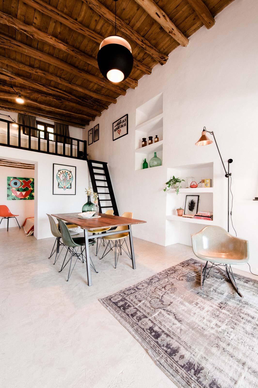 Peque a casa en el campo en ibiza blog tienda decoraci n for Casa decoracion catalogo
